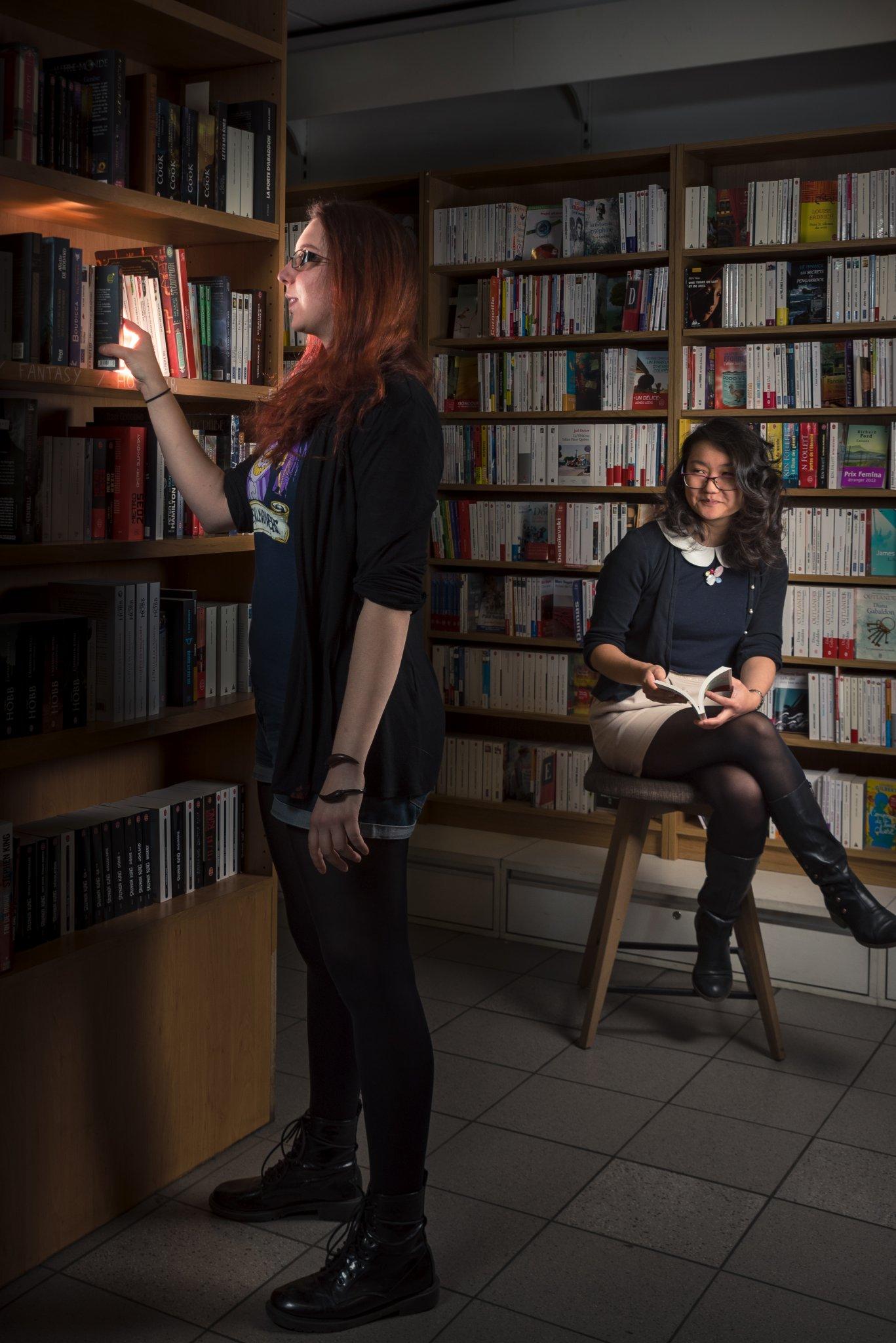 Photographe Lyon Villeurbanne - portrait professionnel artisan commerçant entreprise - Lucile et Yoon-Lore - Librairie Fantasio - Gratte-Ciel