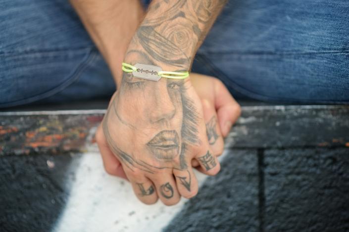 Photographe Lyon - Aurélien Audy - shooting outdoor bracelets mannequin illustration mode