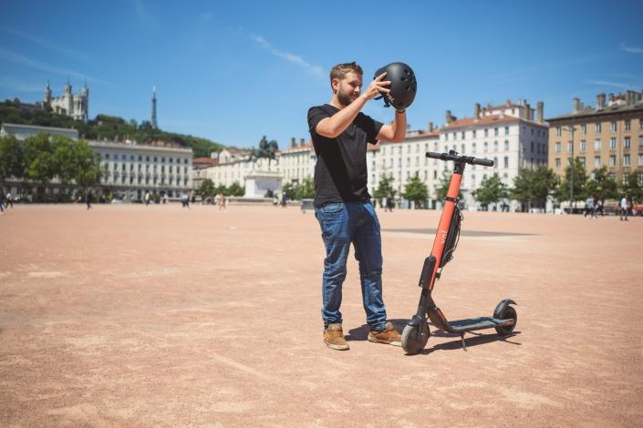 Aurélien AUDY - photographe LYON - portrait - shooting VOI Technology trottinettes électrique lifestyle réseaux sociaux